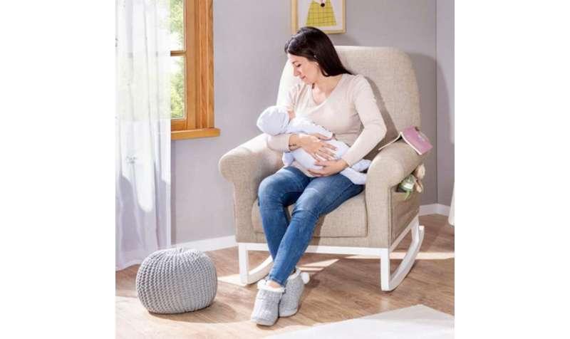 Kutak za roditelje u bebinoj sobi
